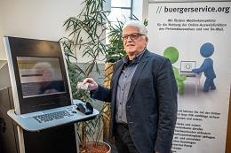 Günter Weick berichtet über buergerservice.org. Foto: buergerservice.org