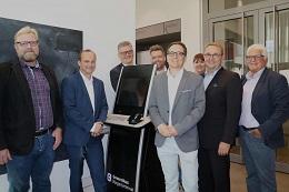Vorschaufoto zu dem Artikel: Erste Show Lane Online-Ausweis in Betrieb: Digitalstadt Darmstadt richtet Serviceterminal im Bürger- und Ordnungsamt ein