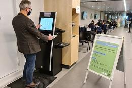 Bürgerterminal für alle Dienste mit Online-Ausweisfunktion im Bürgeramt der Bundesstadt Bonn (Foto: buergerservice.org)